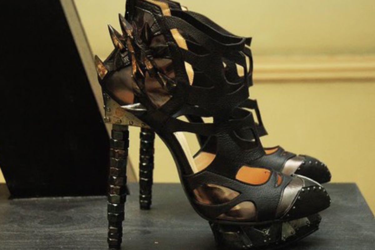 "Stilettos for Xena: Warrior Princess. Image via <a href=""http://www.ferohhhsh.com/2009/12/nicholas-kirkwood-for-rodarte.html"">ferOHHHsh</a>."