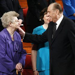 Sister Frances Monson shares a moment with her husband, President Thomas S. Monson.