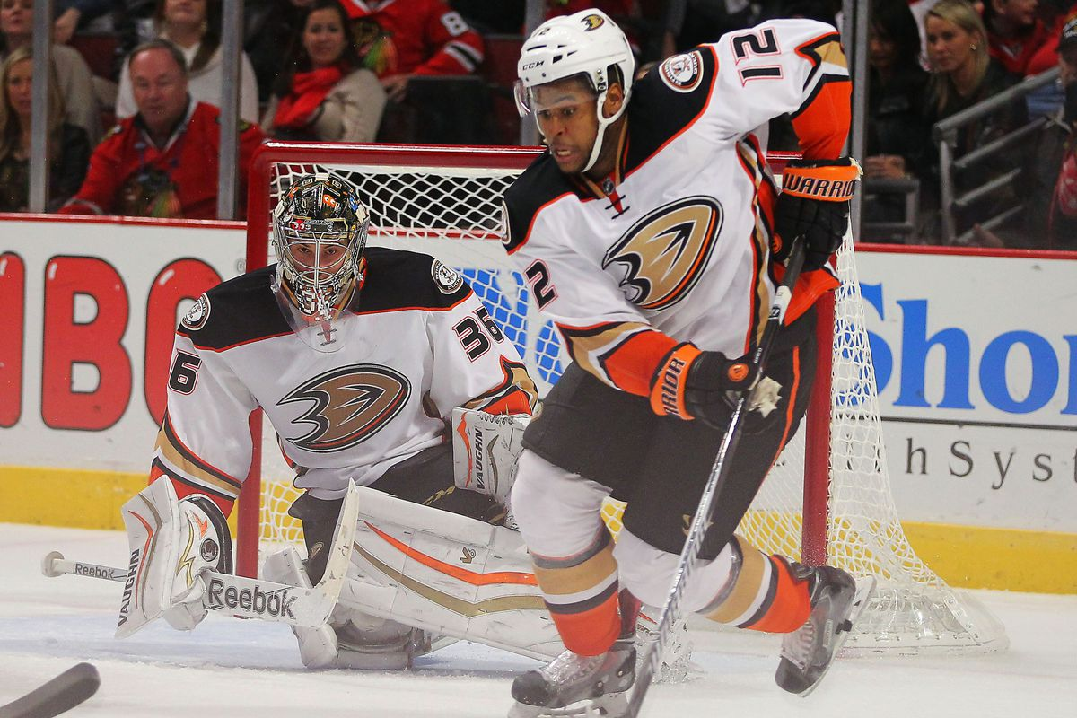 Devante Smith-Pelly and John Gibson played hero tonight in the Ducks 1-0 win at United Center.