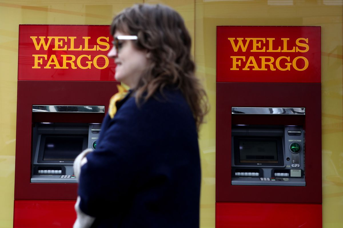 Wells Fargo Customers Are Having Trouble Accessing ATMs Credit Cards And Online Accounts