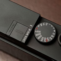 The only indicator that the M10-R is different from other M10 models is its badging on the flash hotshoe