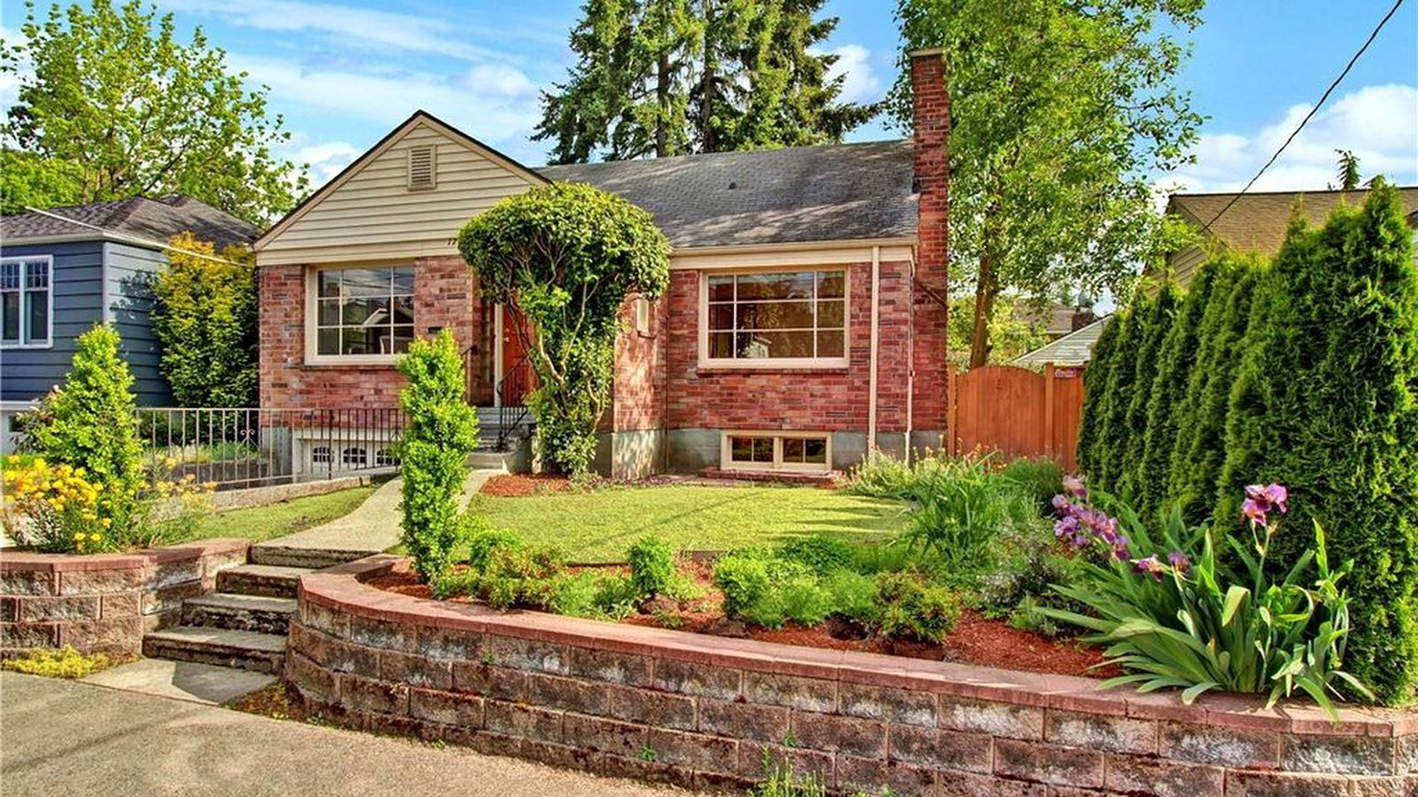 5 of the most affordable homes around green lake curbed for Affordable lakefront homes