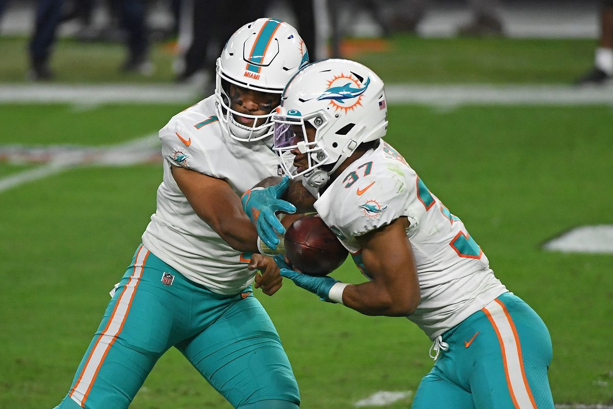 Miami Dolphins v Las Vegas Raiders