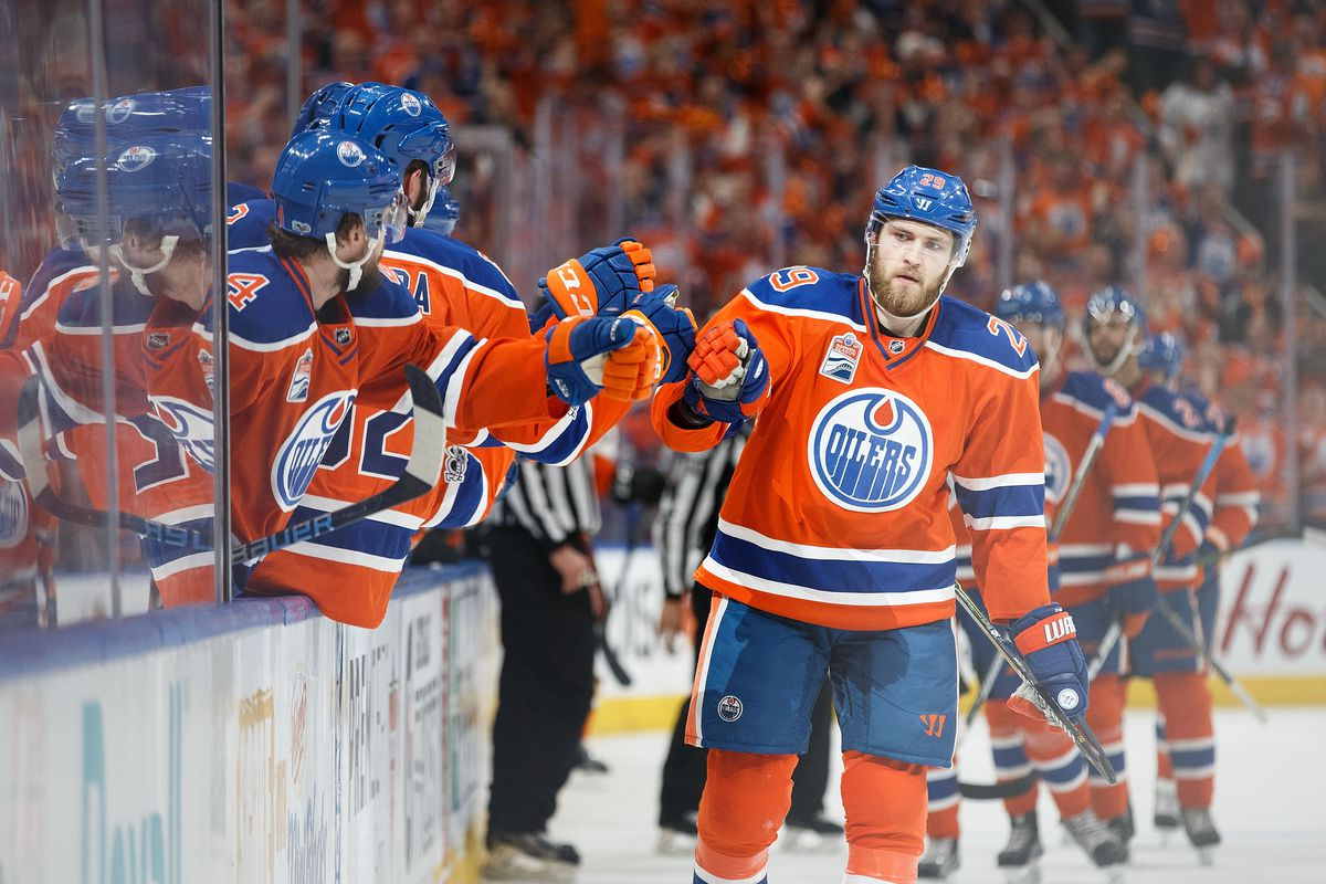 Oilers sign center Leon Draisaitl to 8-year extension