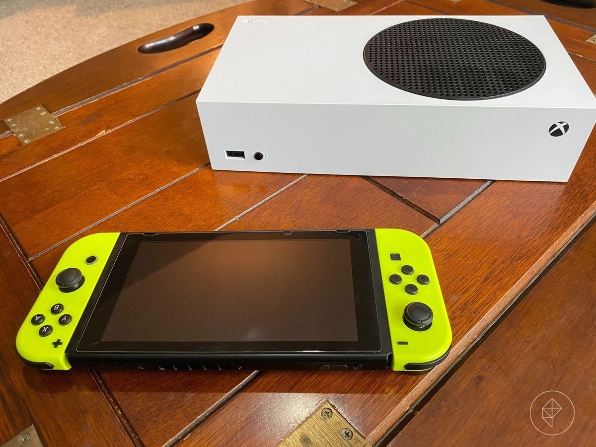 Photo of an Xbox-S console and a Nintendo Switch
