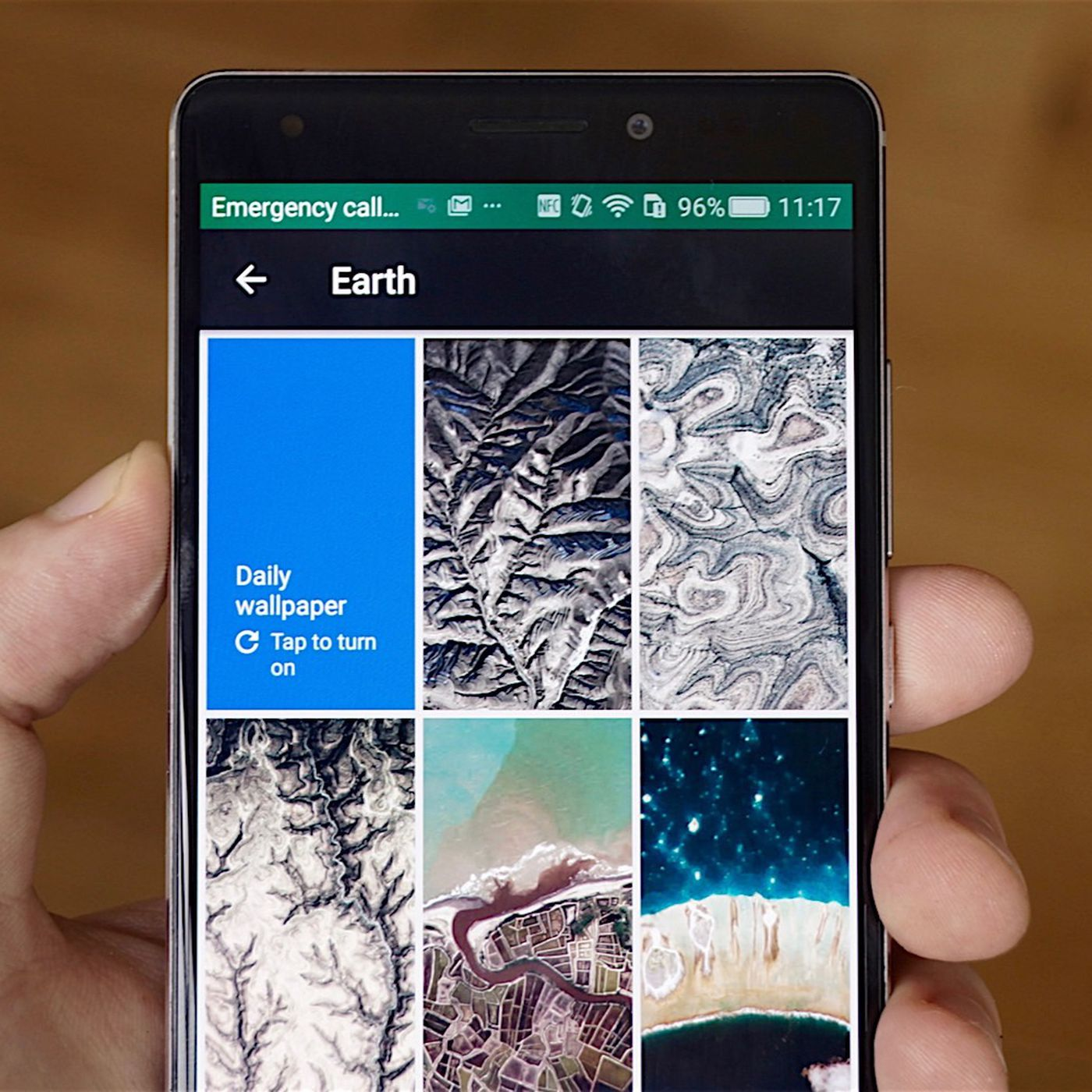 Google S New Wallpapers App Gives Your Phone That Fresh Feeling The Verge