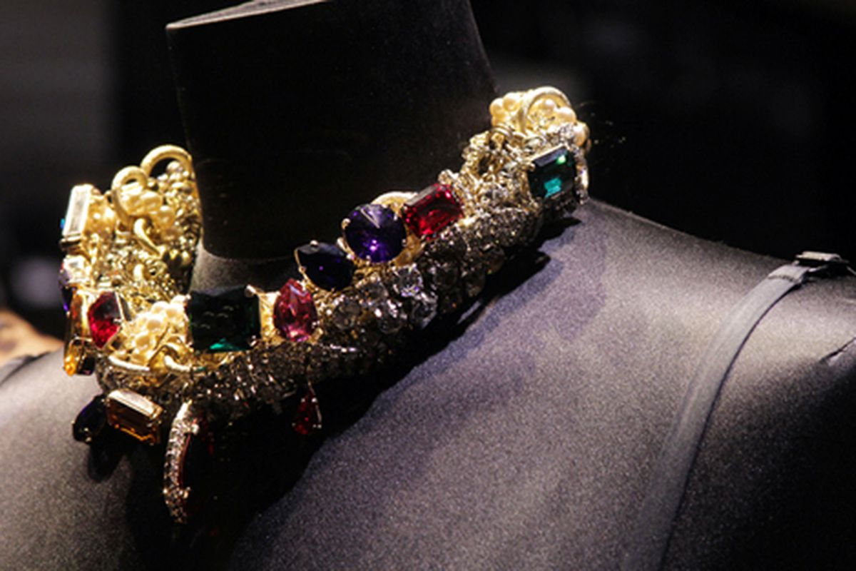"""Dolce &amp; Gabbana necklace via <a href=""""http://modelizing.blogspot.com/2010/01/zanotti-karan-dolce-and-gabbana.html"""">Modelizing</a>"""