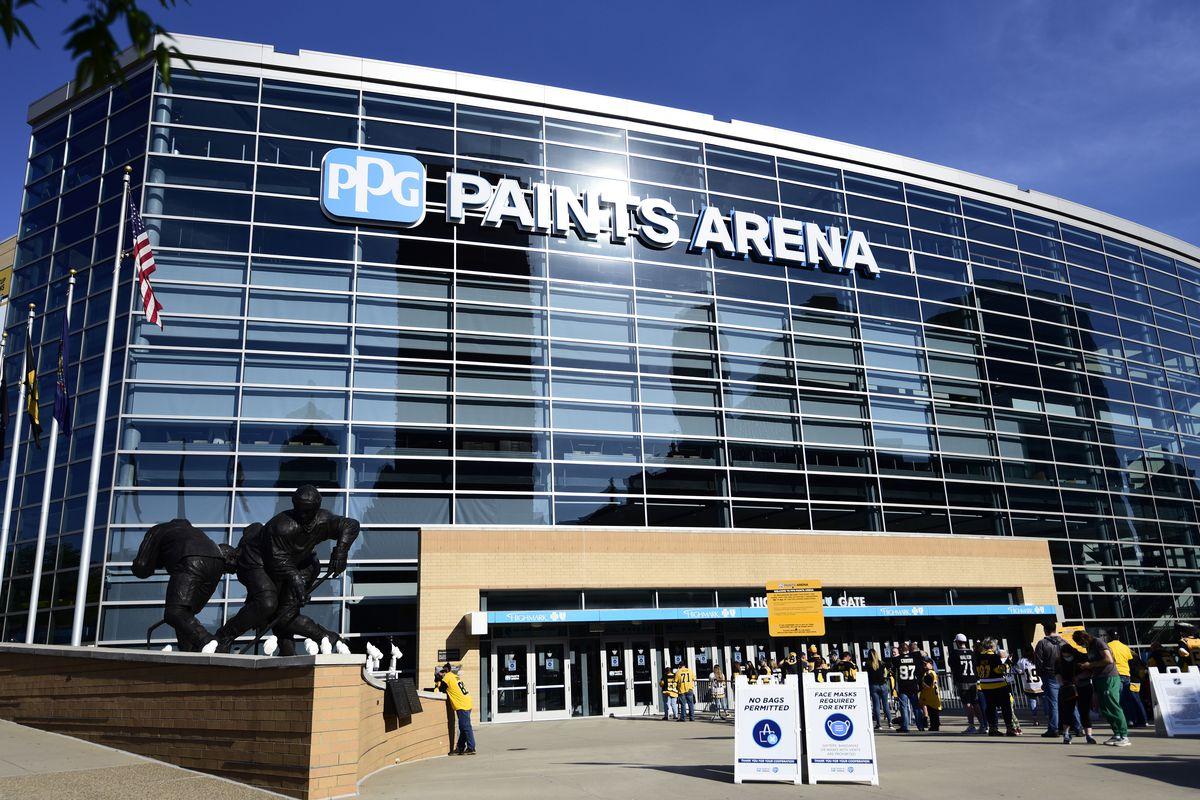 New York Islanders v Pittsburgh Penguins - Game Two