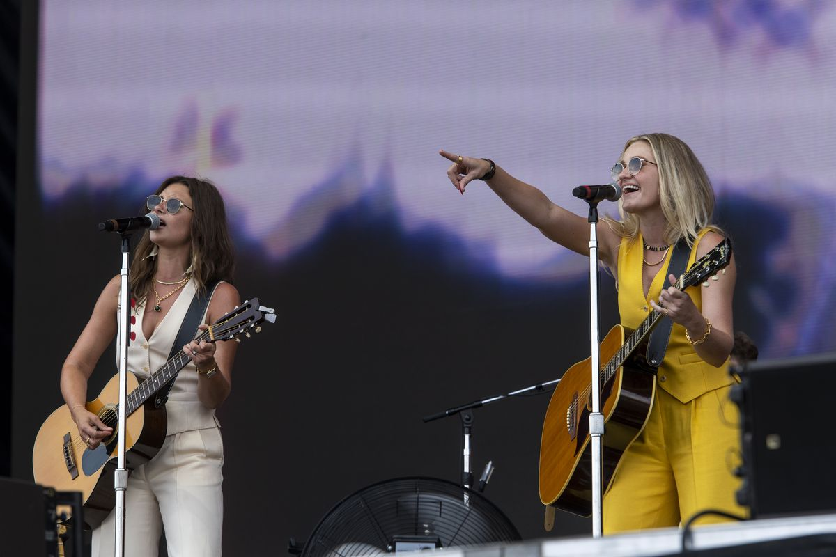 Aly & AJ preform Thursday at the T-Mobile stage at Lollapalooza.