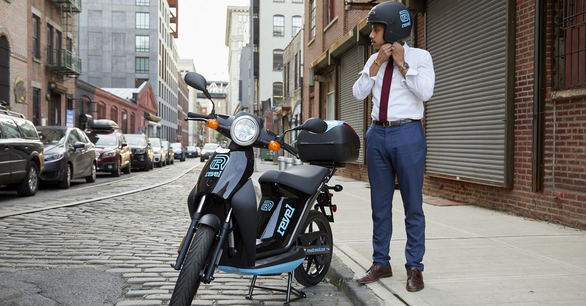 Electric moped rideshare is ing to New York City