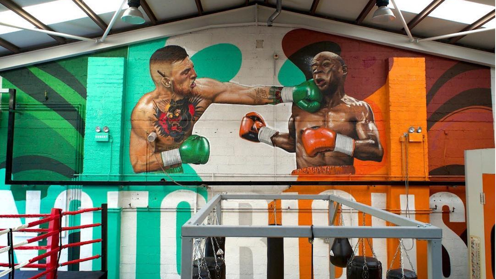Mcgregor S Coach Puts Up Mayweather Ko Mural In Gym To