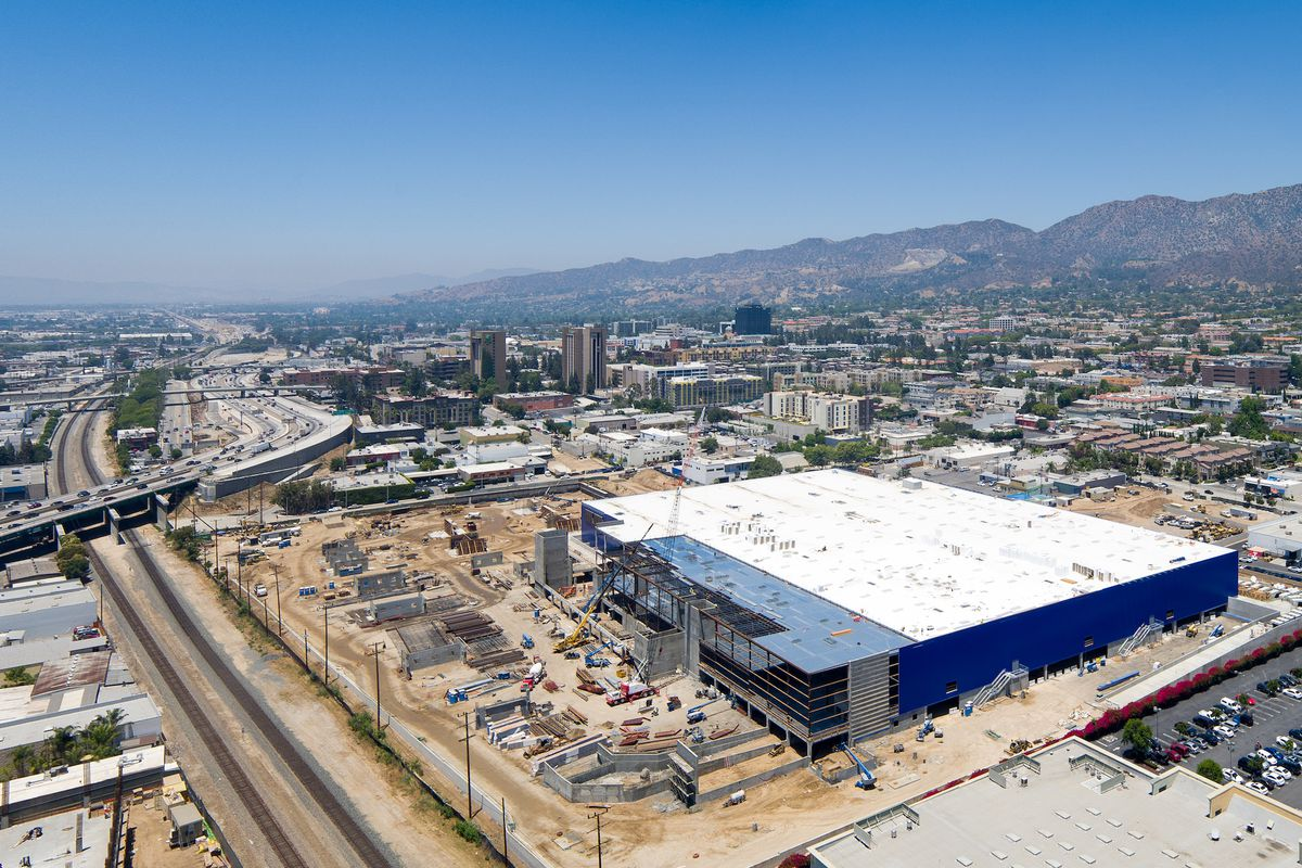 the biggest ikea in the u s will open next month in burbank curbed la. Black Bedroom Furniture Sets. Home Design Ideas