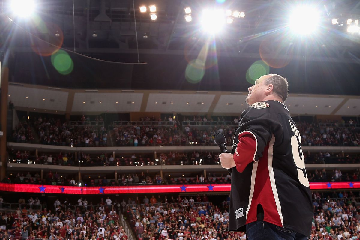 Coyotes anthem singer Patrick Lauder had the fans sings the anthem on Friday night.