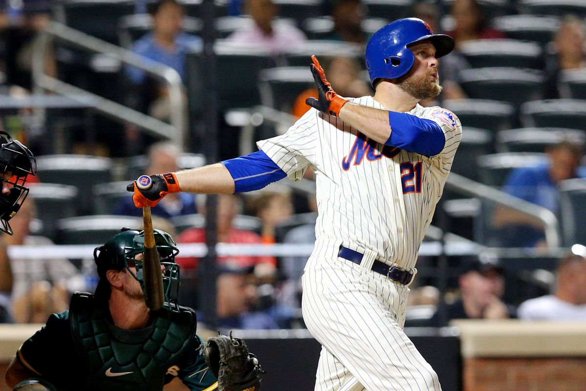 Lucas Duda smashes a pinch-hit three-run home run in the Mets' 8–5 Wednesday loss.
