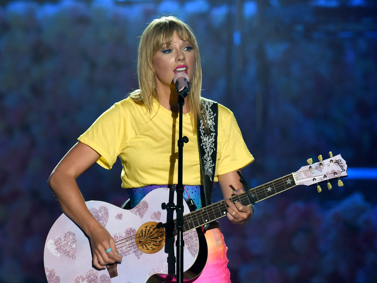 Taylor Swift performs at Dignity Health Sports Park on June 1, 2019, in Carson, California.