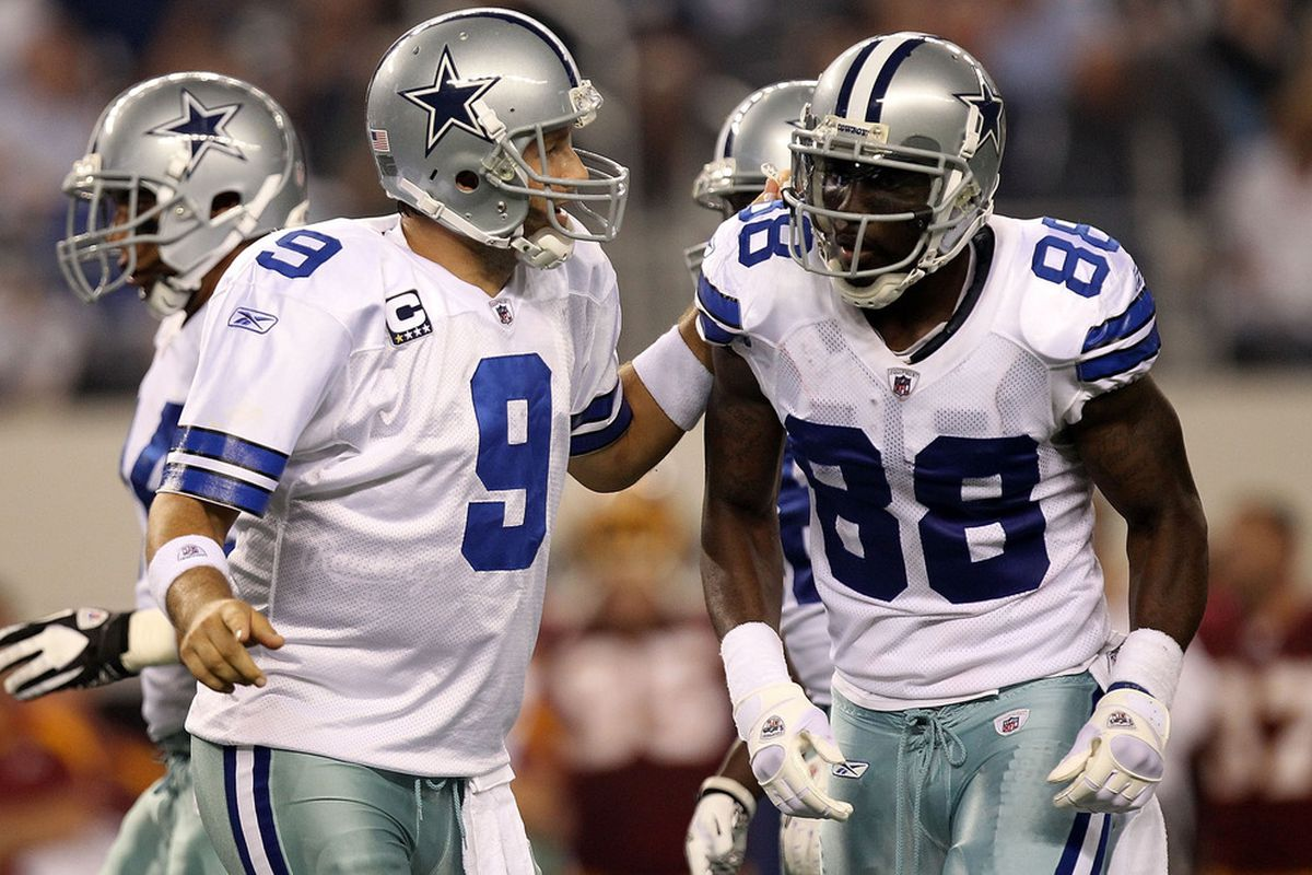 Current And Former Dallas Cowboy Players Weigh In On Dez