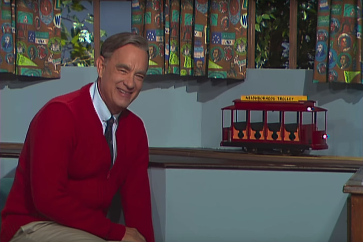 Tom Hanks Is Mister Rogers In A Beautiful Day In The Neighborhood Trailer Watch Chicago Sun Times