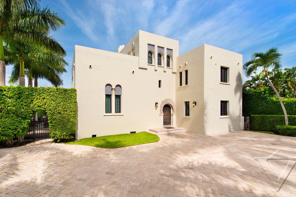 Mediterranean style Villa in SOBE