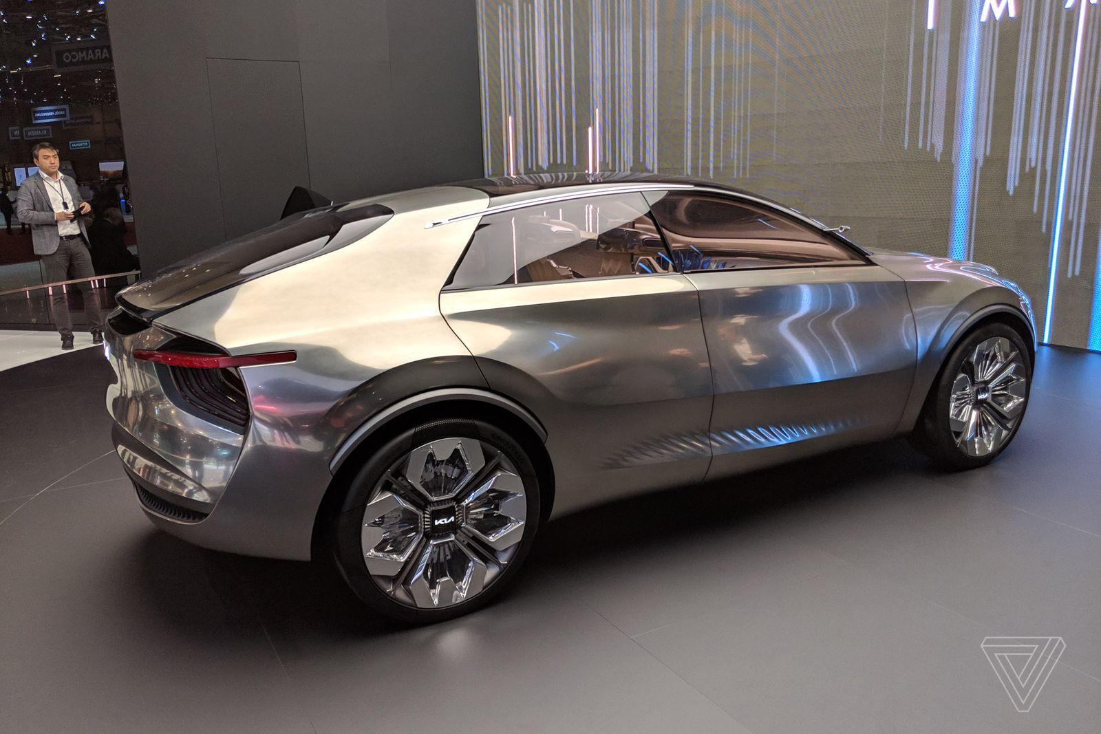 Chiêm ngưỡng concept xe KIA cực dị: có tới 21 màn hình điều khiển - Ảnh 19.