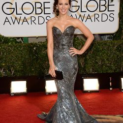Gorgeous Kate Beckinsale gloriously channels the Bionic Woman in her Zuhair Murad gown.