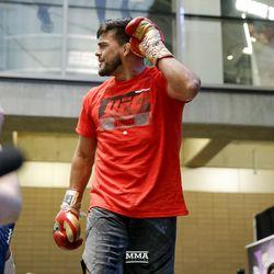 Kelvin Gastelum at UFC 236 open workouts.