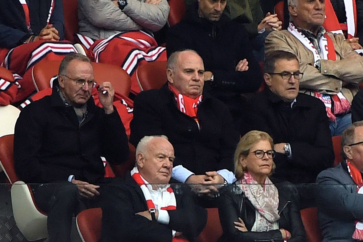 11 May 2019, Saxony, Leipzig: Soccer: Bundesliga, 33rd matchday, RB Leipzig - FC Bayern Munich in the Red Bull Arena. Karl-Heinz Rummenigge (middle row from left), Chairman of the Board of FC Bayern, and Uli Hoeneß, President of FC Bayern, watch the match on the grandstand together with Red Bull founder Dietrich Mateschitz (top row 2nd from left).