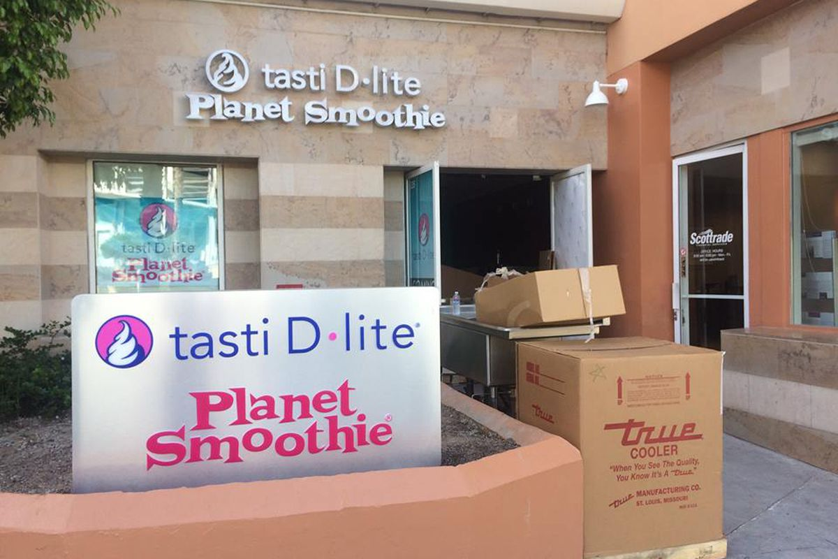 Tasti D-Lite and Planet Smoothie Santa Monica