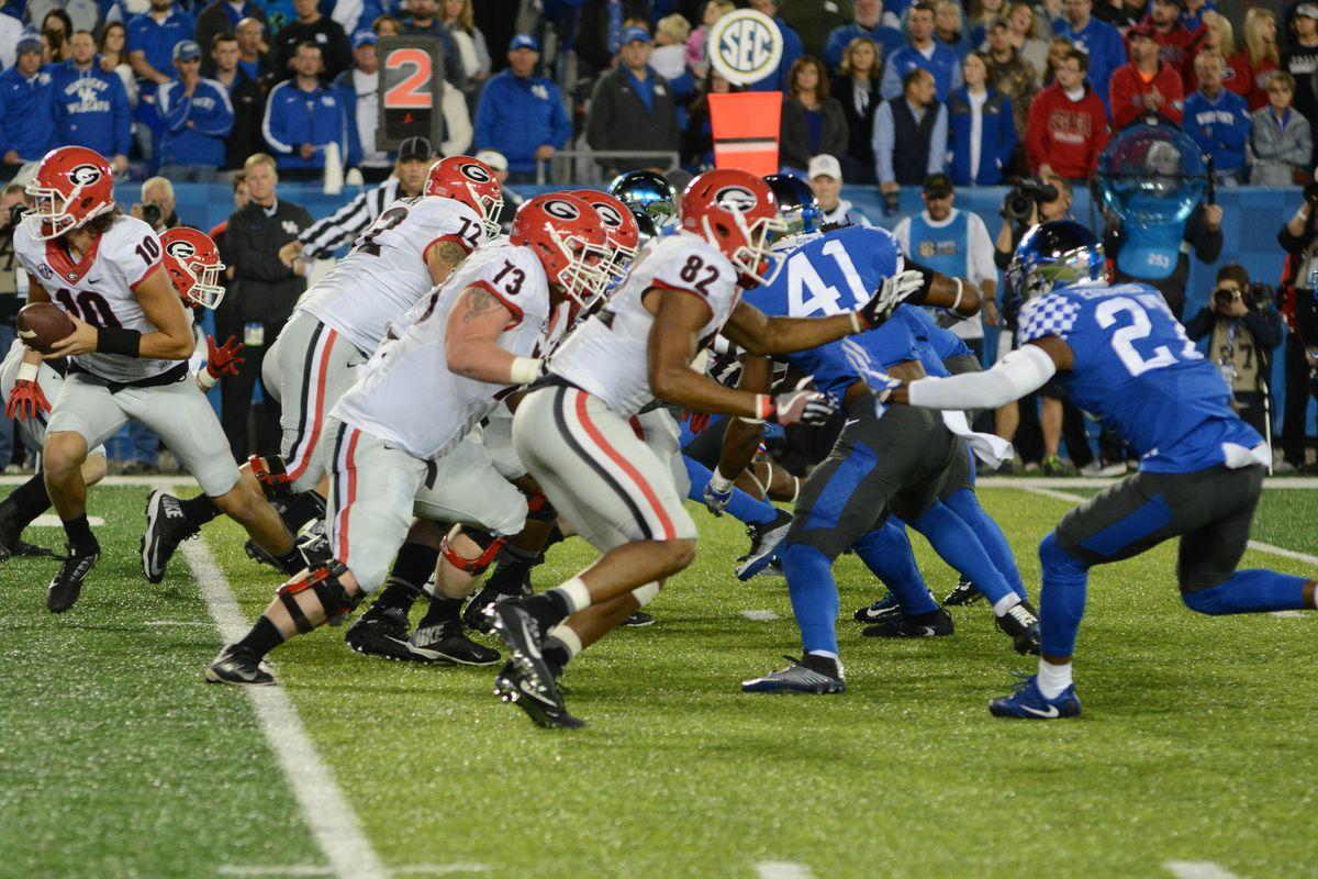Uk Football Kentucky Hits Sellout For Georgia Bulldogs A Sea Of Blue