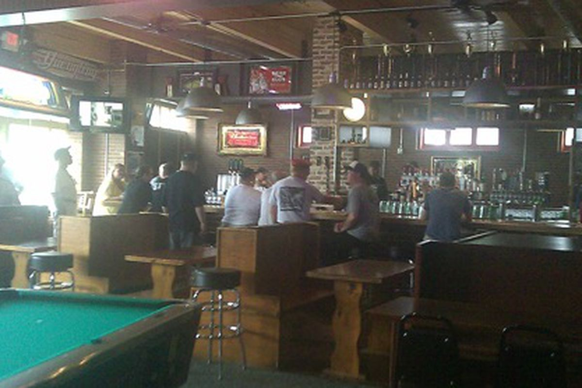 """<a href=""""http://airbornecombatengineer.typepad.com/in_decatur/2011/07/trackside-in-decaturga-looks-great-inside.html""""></a>"""