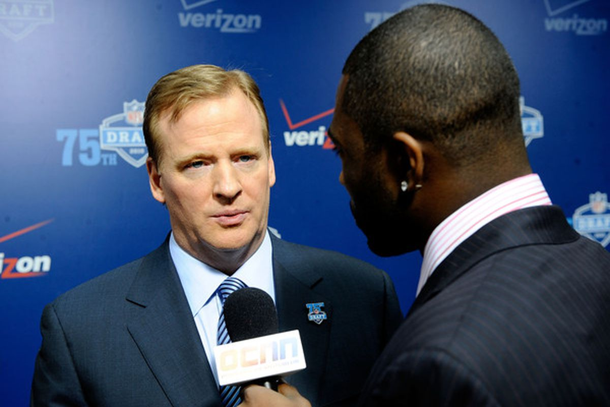 """Goodell: """"Come on, Redskins isn't THAT bad is it? It's not like they're called the Bla-- never mind."""""""