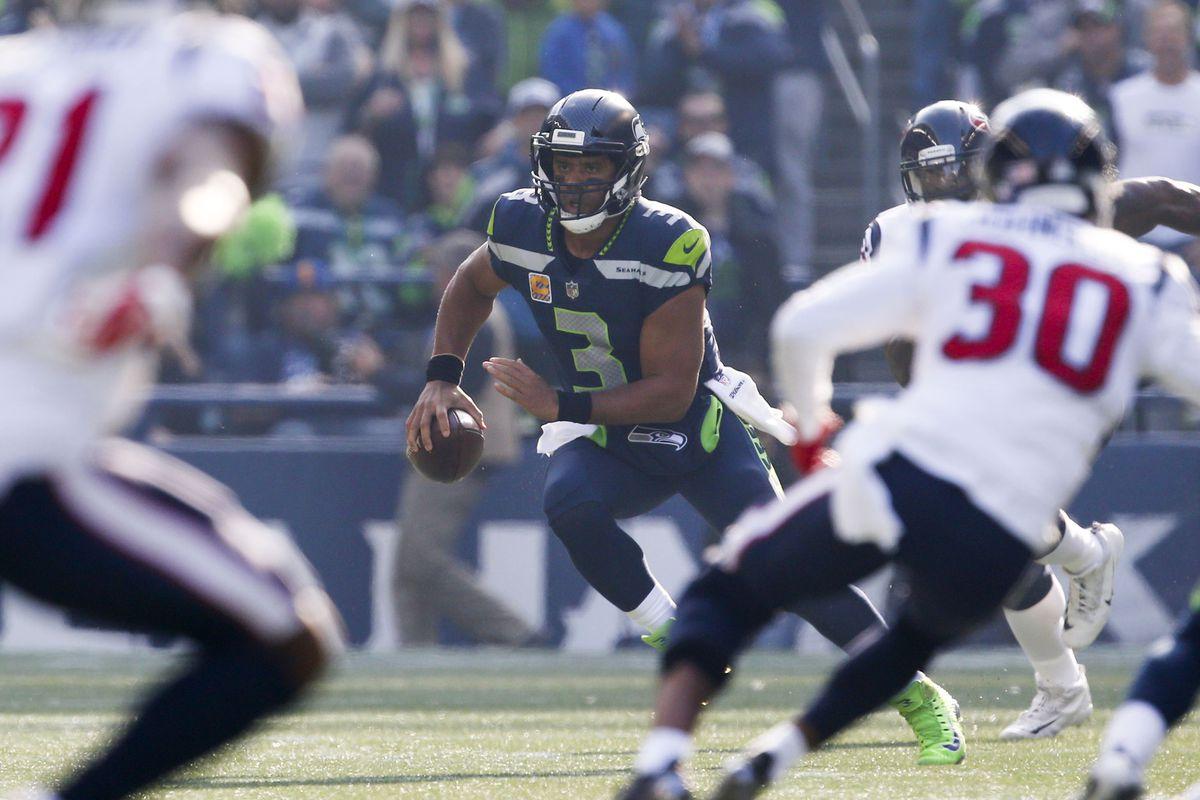 Russell Wilson off to the hottest start of his hot career - Field Gulls