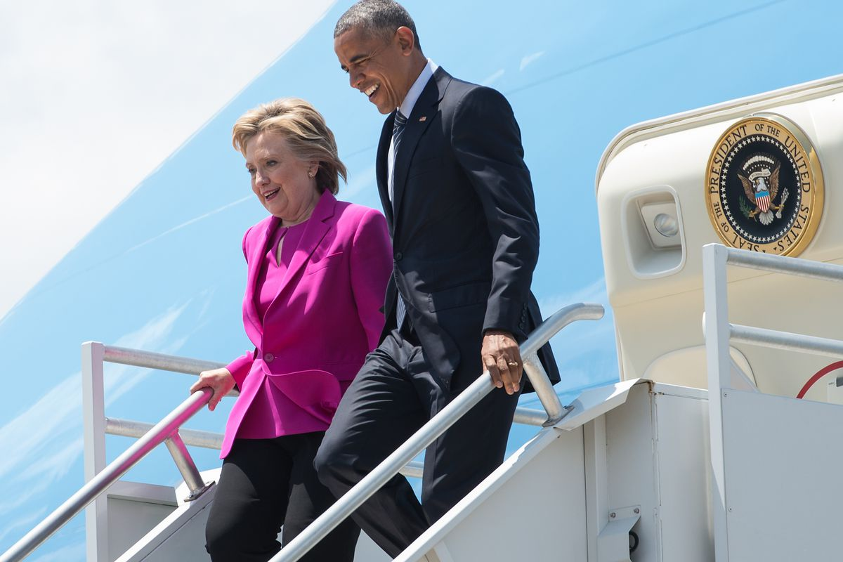 Barack Obama gave Hillary Clinton a lift on Air Force One on Tuesday to a campaign event in North Carolina.