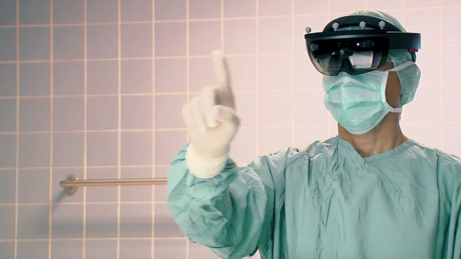 Microsoft HoloLens could help surgeons operate on your spine - The Verge