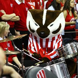 Bucky Badger plays the drums
