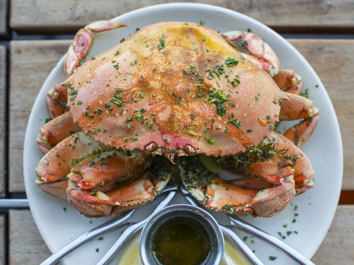 Whole Dungeness crab at Hog Island Oyster Co.