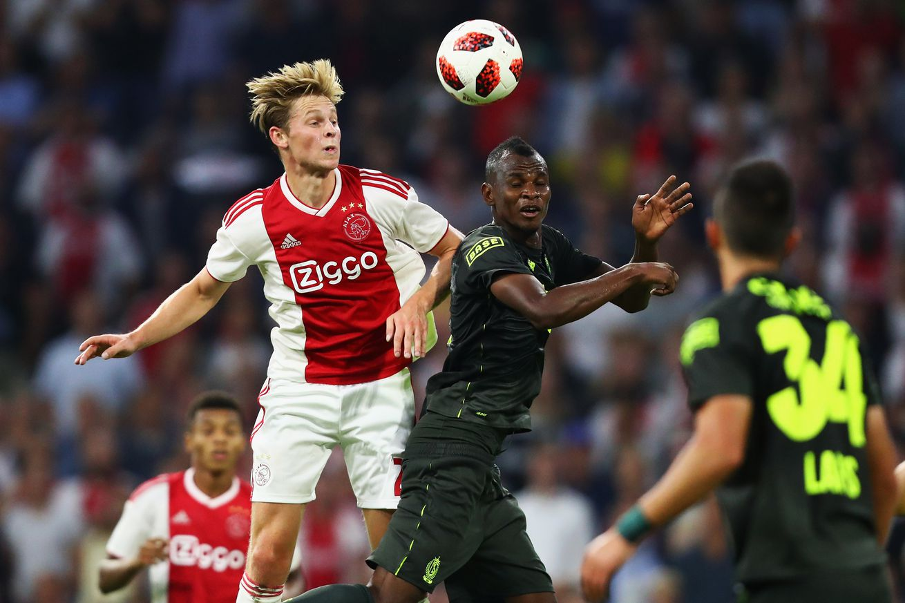 De Jong expects to stay unless ?absurd? offer arrives