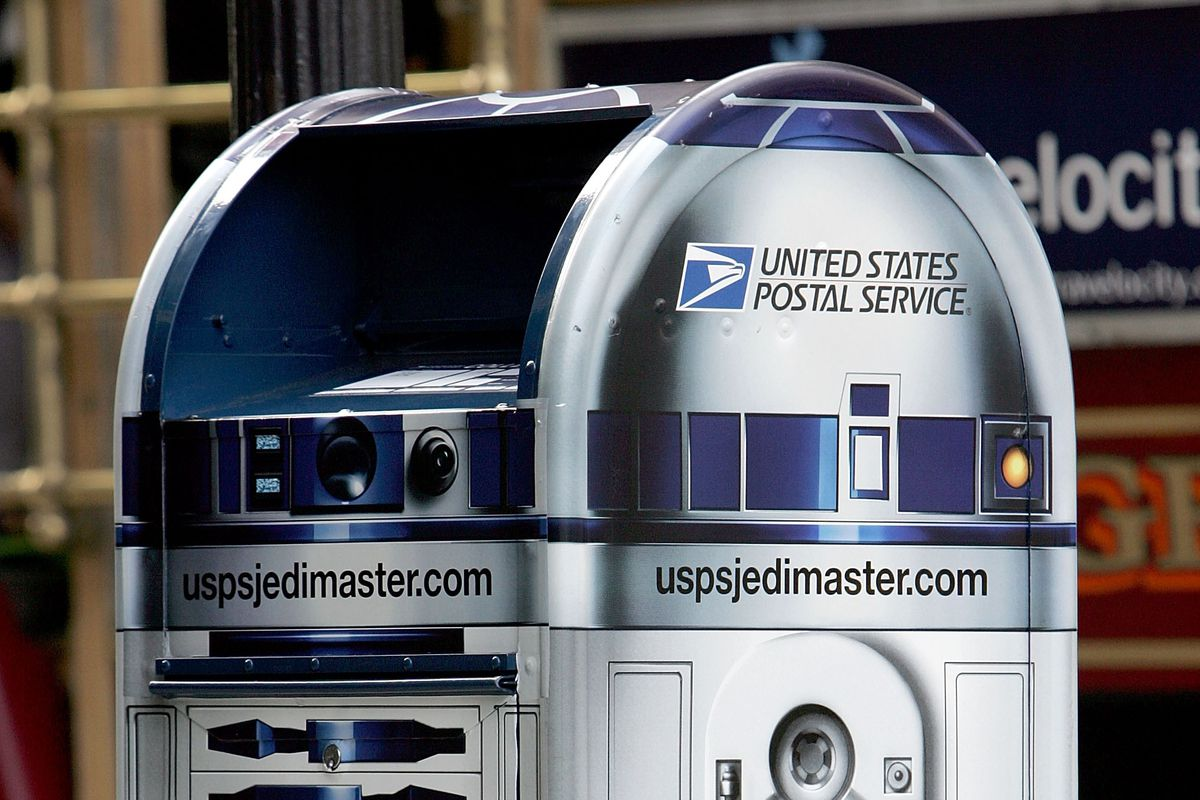 U.S. Postal Service Unveils Star Wars R2-D2 Droid Mailbox