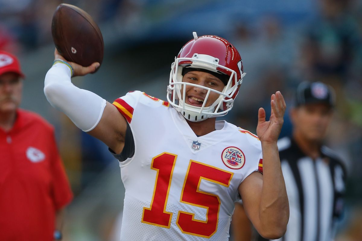 "b9349642b4e Arrowheadlines: The Patrick Mahomes-Josh Allen ""throwing challenge"" may  happen this offseason"