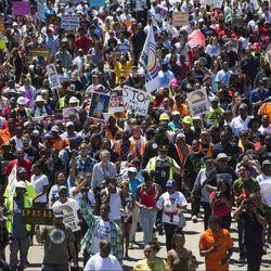 Demonstrators pour onto the Dan Ryan Expressway Saturday morning.   Ashlee Rezin/Sun-Times