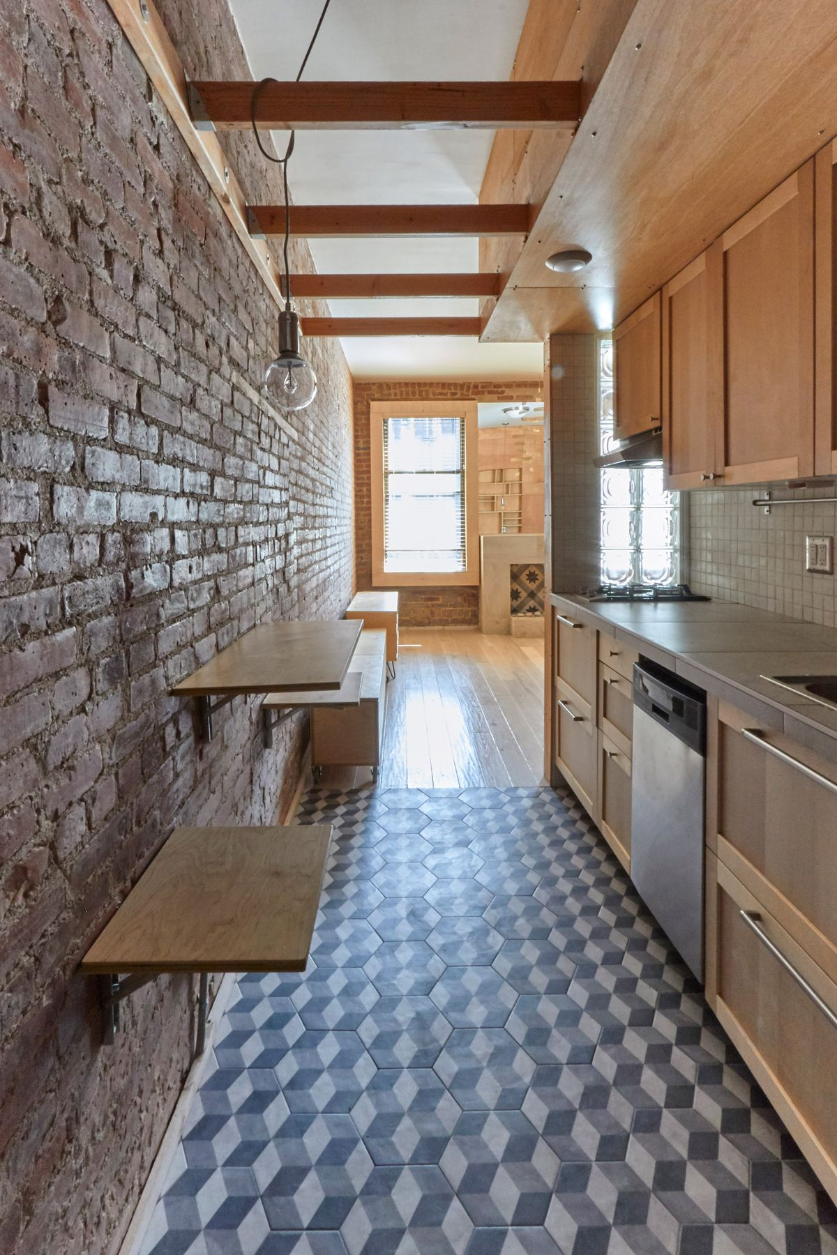 Manhattan Apartment Transforms Into Flexible Live-work