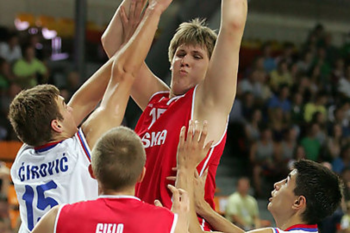 """via <a href=""""http://www.solobasket.com/fotos/17691_10.jpg"""">www.solobasket.com</a>"""