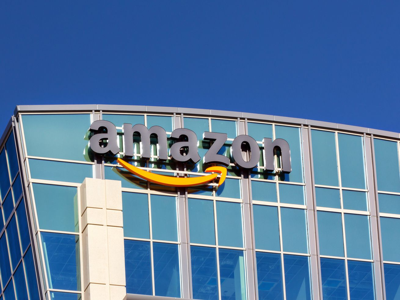 Amazon is moving into the pharmacy business. Local drugstores aren't happy about it