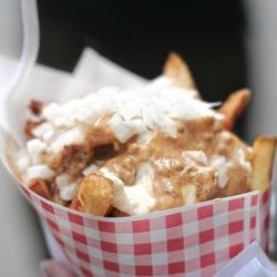 """Pomme Frites by <a href=""""http://www.flickr.com/photos/amlamster/5249764694/in/pool-29939462@N00/"""">Amlamster</a>"""