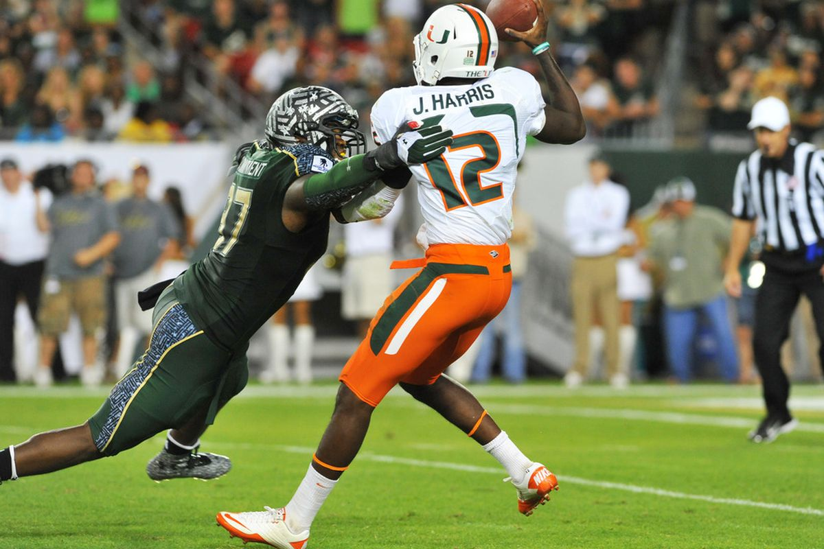 The play of the game. Jacory Harris got away for a 10-yard gain and went on to lead Miami to victory on the final play. Guhhhhh.