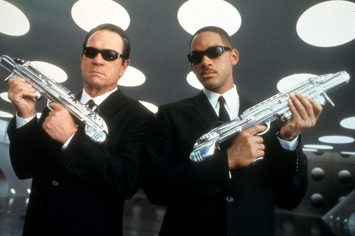Tommy Lee Jones And Will Smith In 'Men In Black II'