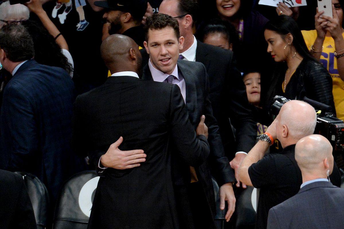 96b84c753e8 Kobe Bryant is right: Luke Walton isn't responsible for Lakers' current  struggles