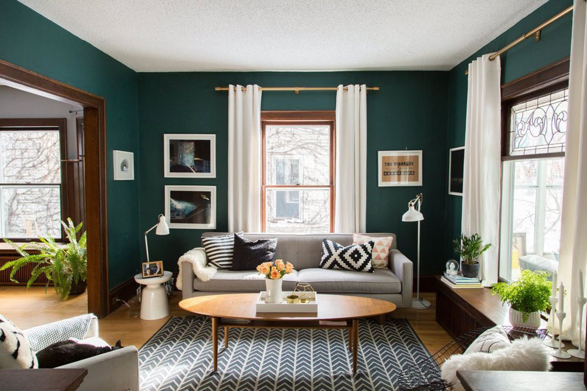 This Darling Minneapolis House Is On Team Curtains Photo Via Apartment  Therapy