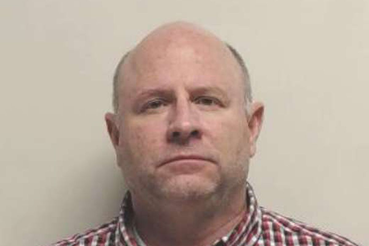 Former vice squad officer sentenced for offering to manage prostitute