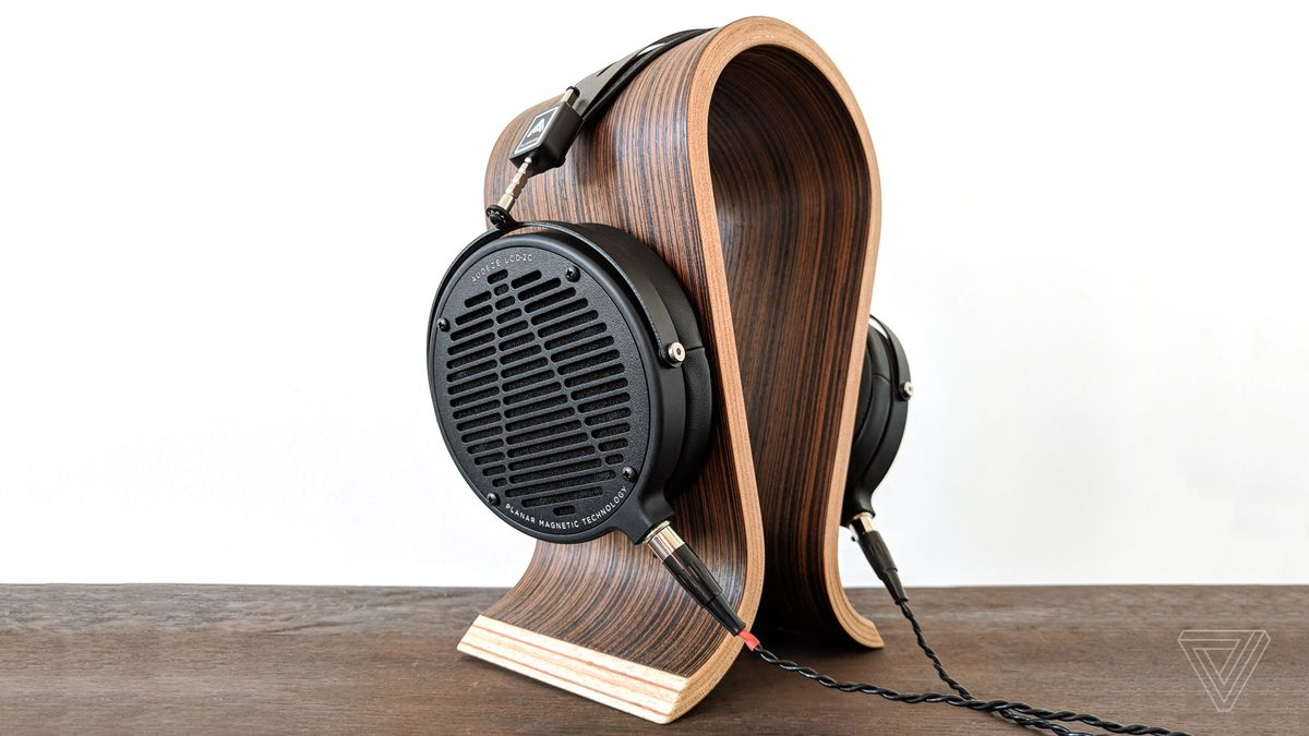 8b9d14e45c0 Audeze LCD2 Classic review: these cans will turn you into an audiophile