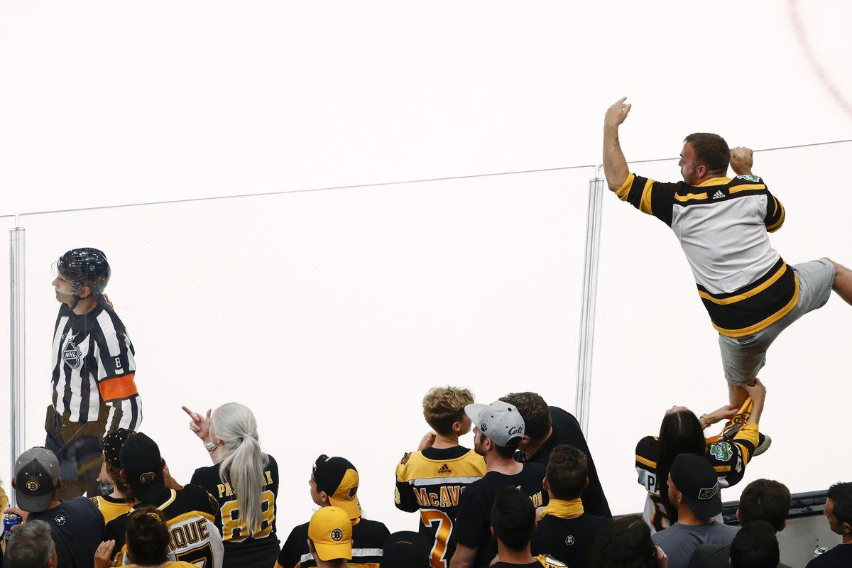 NHL: Stanley Cup Playoffs-New York Islanders at Boston Bruins